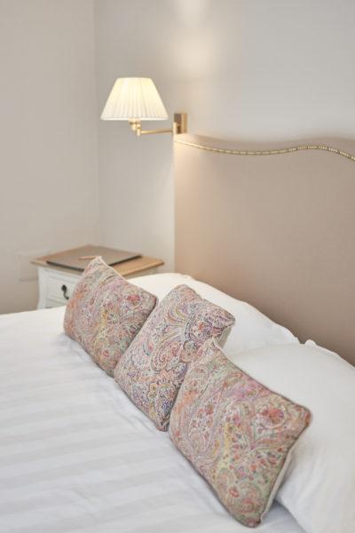 dettagli - letto - illuminazione - camera superior - Elliot Erwitt