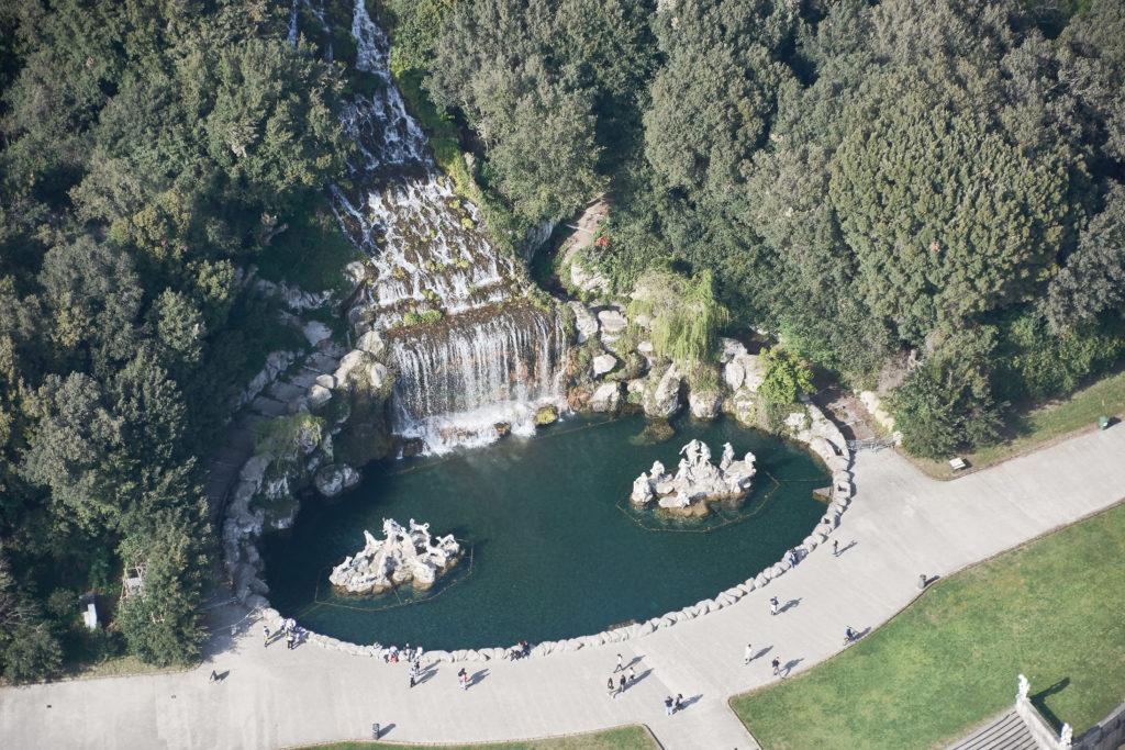 Dintorni - Reggia di Caserta - fontana di Diana e Atteone - cascata