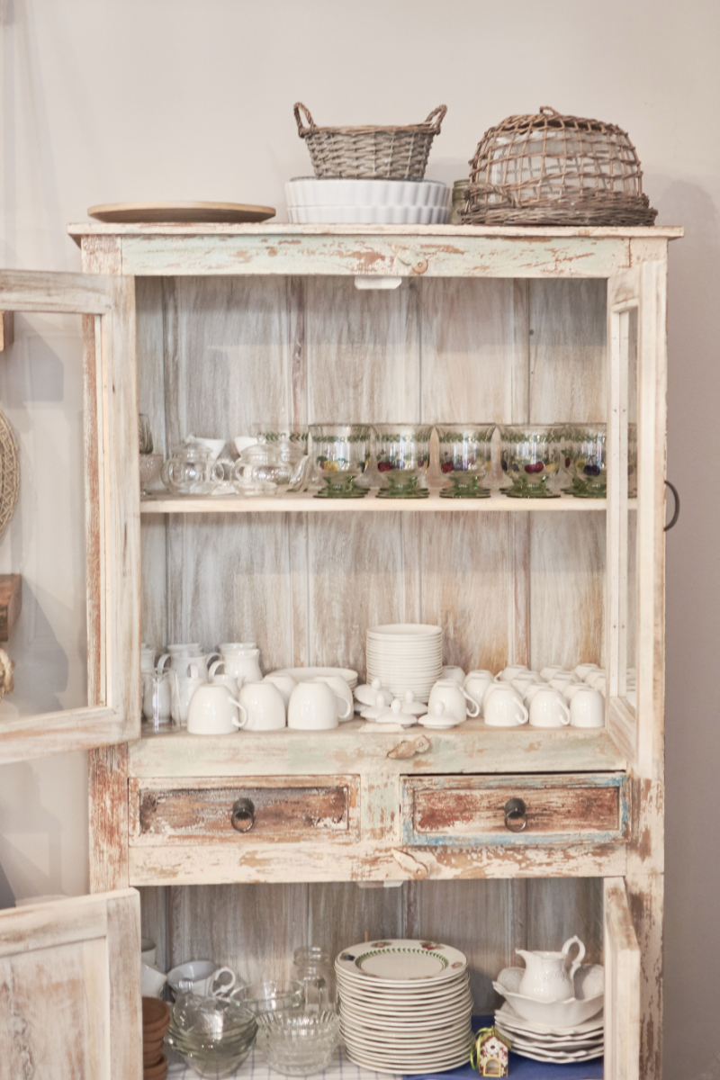 home - credenza - shabby chic